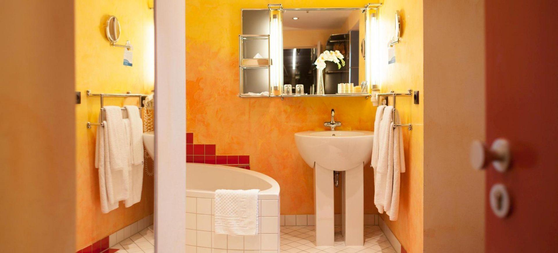 Radisson Blu Hotel Erfurt Business Class Zimmer Badezimmer